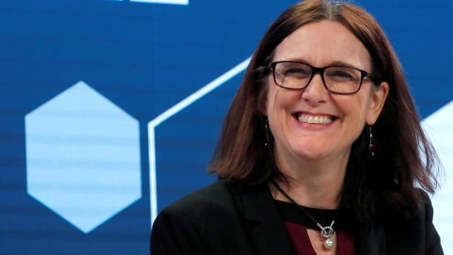 Negociações entre Mercosul-UE devem ser retomadas logo, diz comissária