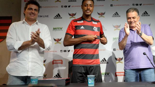 'Agora sou Mengão', diz Bruno Henrique em apresentação