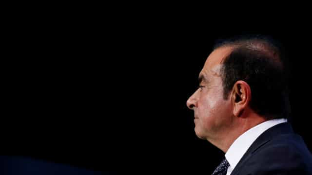 Ghosn, ex-Nissan, tem febre alta na cadeia no Japão