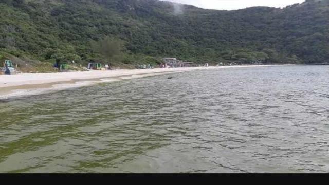 Justiça manda Arraial e Inea impedirem maiores danos em praias