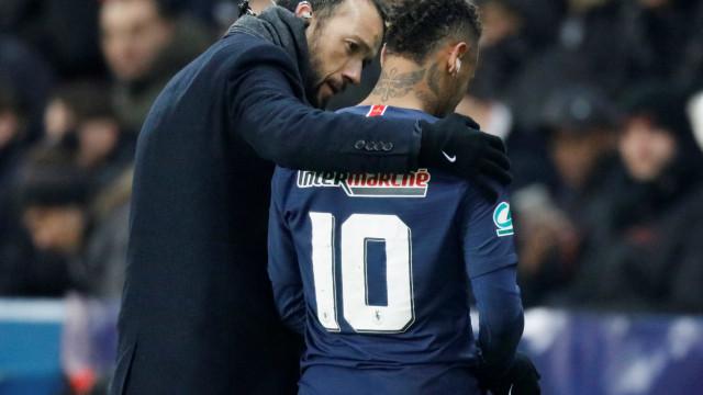 Médico que cuida de Neymar já tratou de Ronaldinho Gaúcho