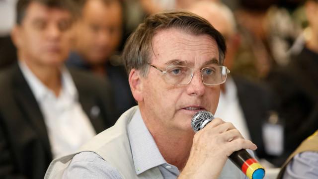 Bolsonaro leva bronca de médicos e fica sem televisão