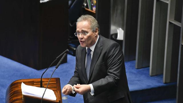 Renan Calheiros retira sua candidatura à presidência do Senado