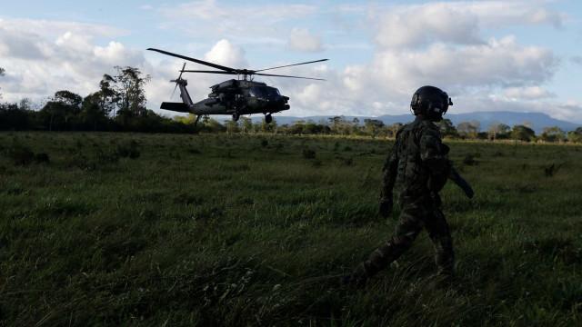 Dez dissidentes das Farc são mortos em operação militar na Colômbia