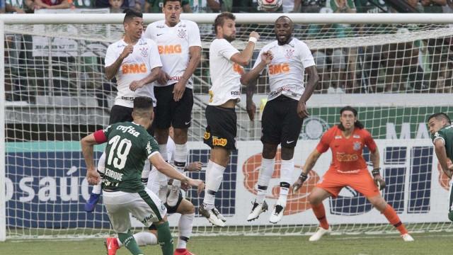 Clubes paulistas acirram rivalidade por novos patrocínios