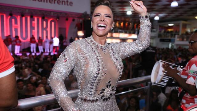 Rainha Viviane Araújo arrasa no samba durante ensaio do Salgueiro