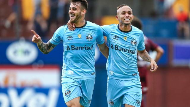 Felipe Vizeu comemora gol pelo Grêmio: 'Que seja o primeiro de muitos'
