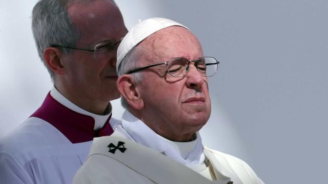Papa faz apelo contra tráfico de seres humanos