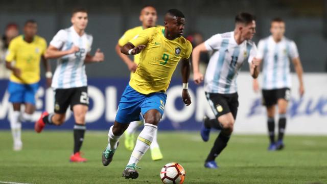 Brasil vence, impede título da Argentina, mas fica fora do Mundial