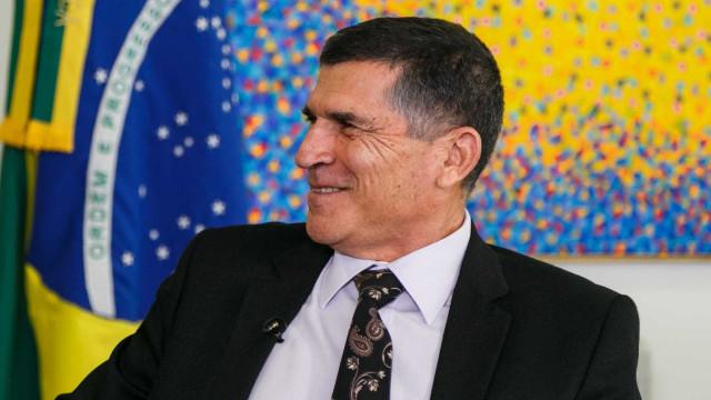 Governo Bolsonaro vai fechar rádios da EBC