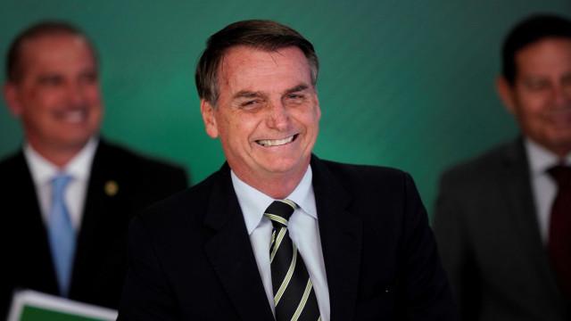 Fux suspende duas ações penais em que Bolsonaro é réu