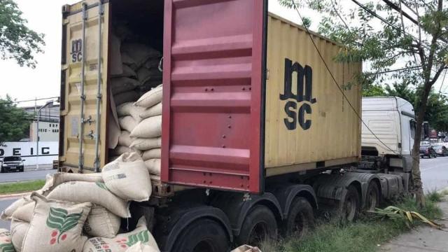 Polícia apreende cocaína pura encontrada dentro de sacos de café