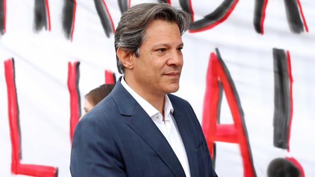 Lula assina nova procuração para que Haddad volte a advogar para ele