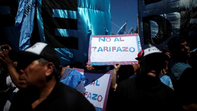 Protestos contra inflação param Buenos Aires