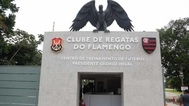 Flamengo é multado pela 32ª vez por descumprir ordem de fechar CT