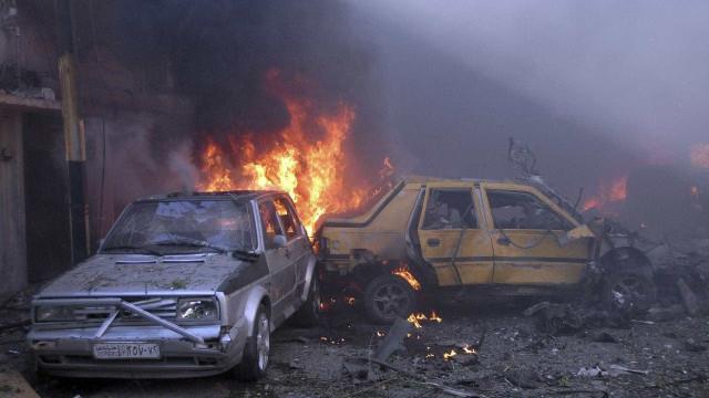 Pelo menos 24 mortos em duplo atentado em Idlib, na Síria