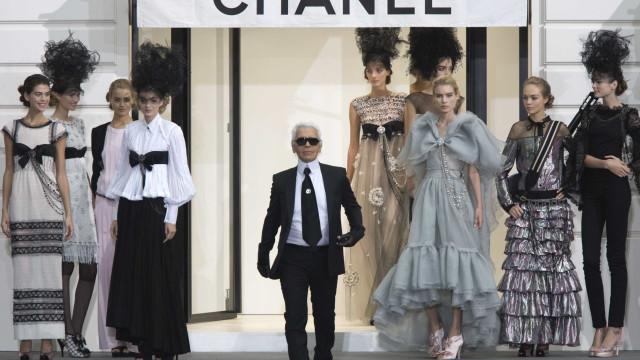 Karl Lagerfeld: relembre a vida do designer que revolucionou a Chanel