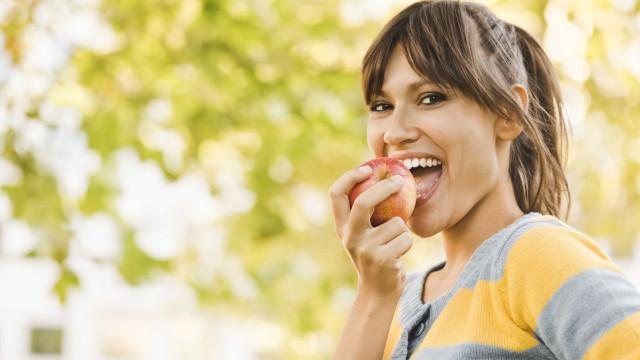 Consumida antes de refeição, fruta ajuda a 'derreter' gordura