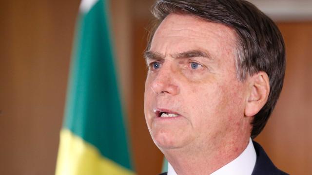 Previsão muda e Bolsonaro deve ficar internado por mais uma semana