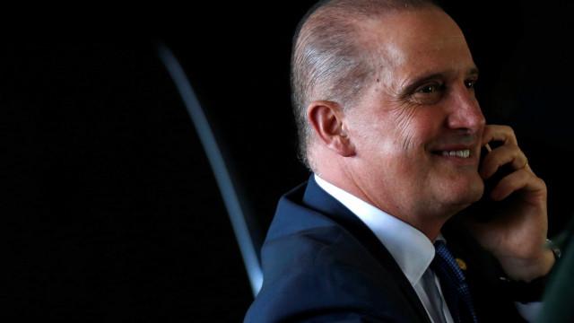 Vaza conversa em que Bolsonaro faz pedido a Onyx sobre Bebianno