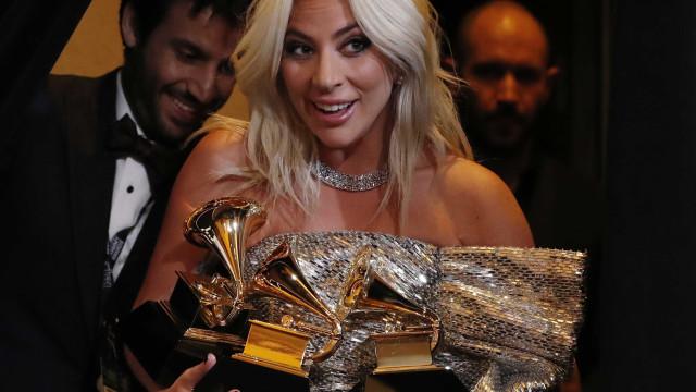 Oscar: Gaga pode usar Versace e atrizes devem apostar em cores fortes