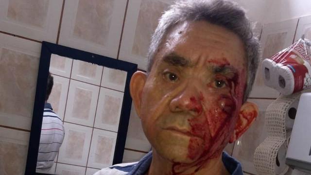 Professor idoso é agredido a socos dentro de sala de aula por aluno