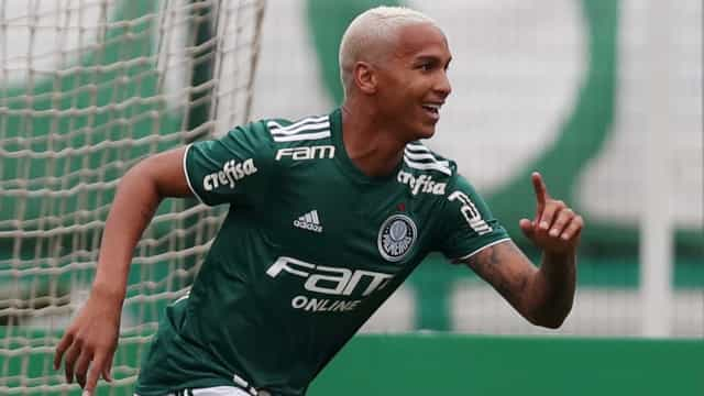 Deyverson recusou oferta milionária e fica no Palmeiras, diz Felipão