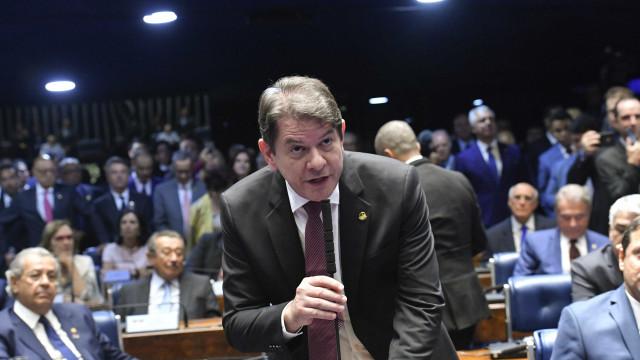 'Não queremos só jogar pedra', diz Cid Gomes sobre oposição ao governo