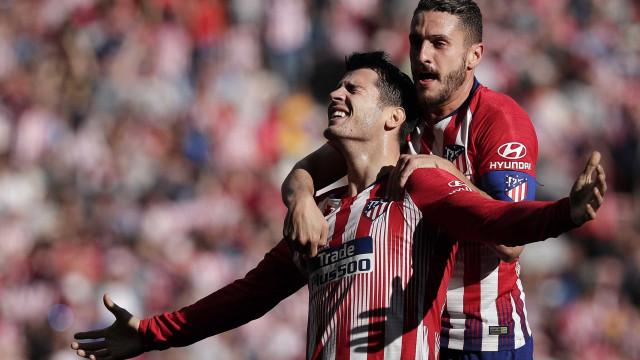 Atlético vence Villarreal e não deixa Barça ampliar vantagem na ponta
