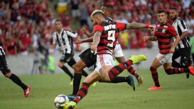Gabigol desencanta em goleada do Flamengo sobre o Americano