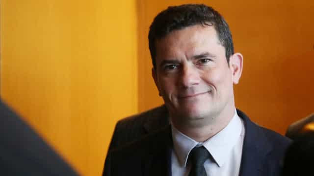Moro apresenta a Bolsonaro investigação da PF sobre facada