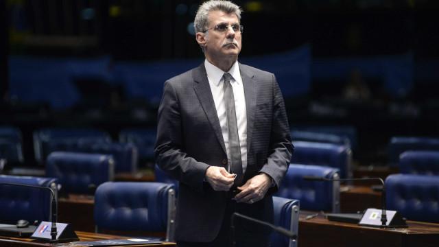 Derrotados nas eleições, senadores se aposentam com até R$ 32 mil