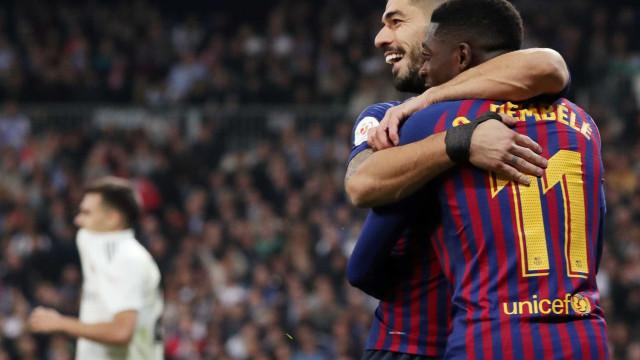 Vinícius Júnior perde chances, Suárez decide e Barcelona vai à final