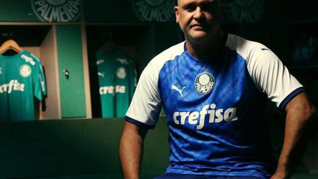 Palmeiras lança camisa azul em homenagem a Libertadores de 1999