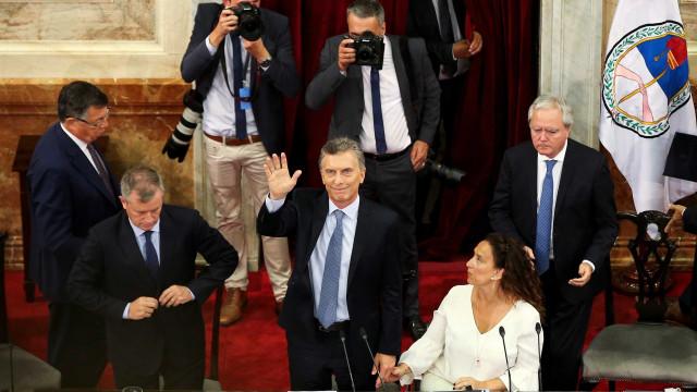 Macri defende reduzir maioridade penal em ida ao Congresso