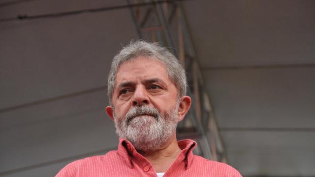 Lula pede à Justiça para ir ao velório do irmão Vavá