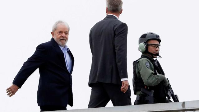 Lula chega a São Paulo para acompanhar sepultamento do neto