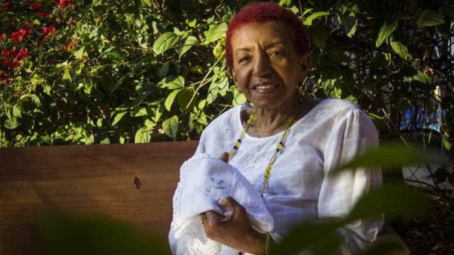 Aos 74, Leci Brandão 'comanda' Acadêmicos do Tatuapé, bicampeã de SP