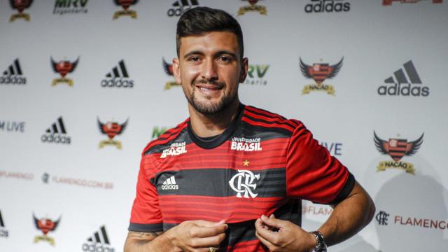 Equipes brasileiras na Libertadores gastam R$ 240 mi em reforços