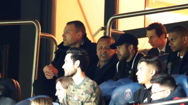 Neymar se revolta e xinga a arbitragem após eliminação do PSG