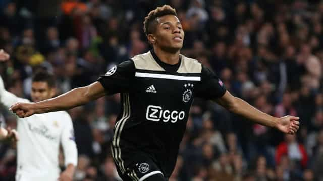 David Neres é convocado por Tite para vaga do lesionado Vinicius Junior