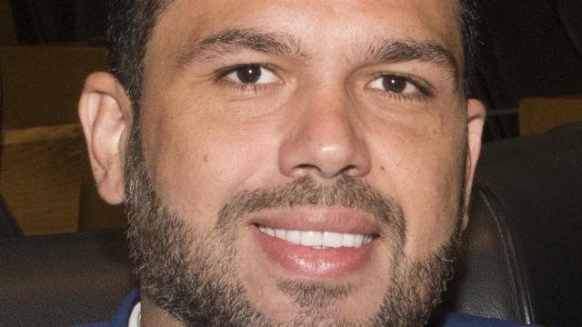 Deputado detido por agressão diz que 'manda matar'
