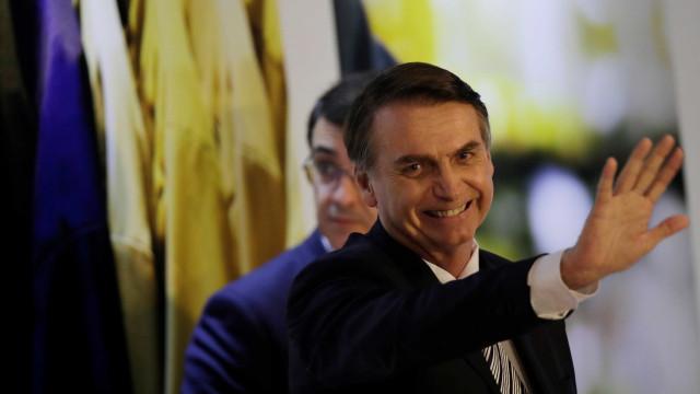 Governo Bolsonaro entrega 100 cargos a militares após 2 meses