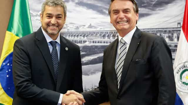 Bolsonaro recebe presidente do Paraguai no Palácio do Planalto