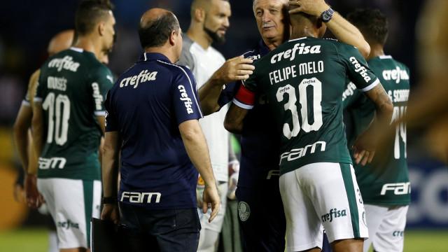 Felipão admite Palmeiras pressionado, mas celebra vitória em estreia