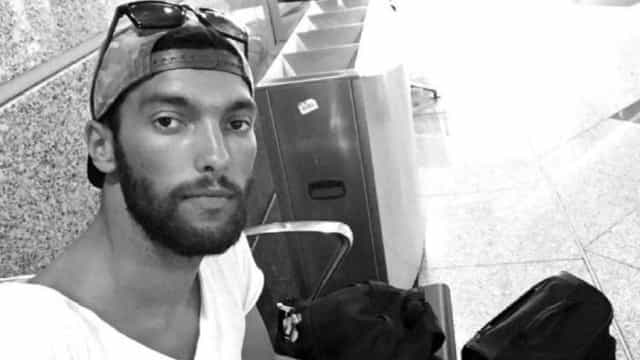 Jogador de 28 anos tem parada cardíaca e morre durante jogo