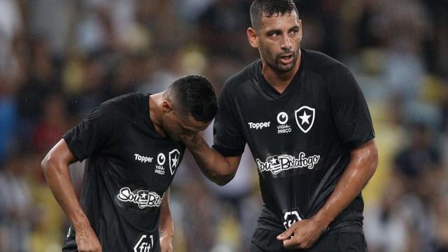 Após empate, Diego Souza destaca maturidade do Botafogo