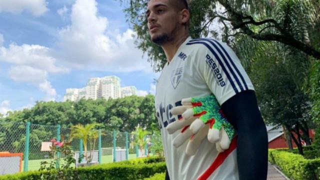 Irritado com cobranças, goleiro Jean abandona treino do São Paulo