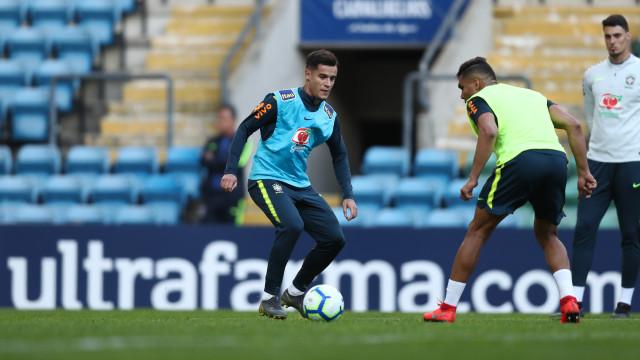 Seleção faz treino incompleta e empresta jovens de Vasco e Porto