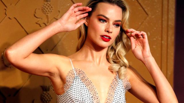 Margot Robbie divulga 2º pôster do novo filme de Tarantino; veja